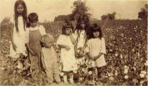Mexican children in a field, date unknown. | Courtesy of La Historia Society of El Monte