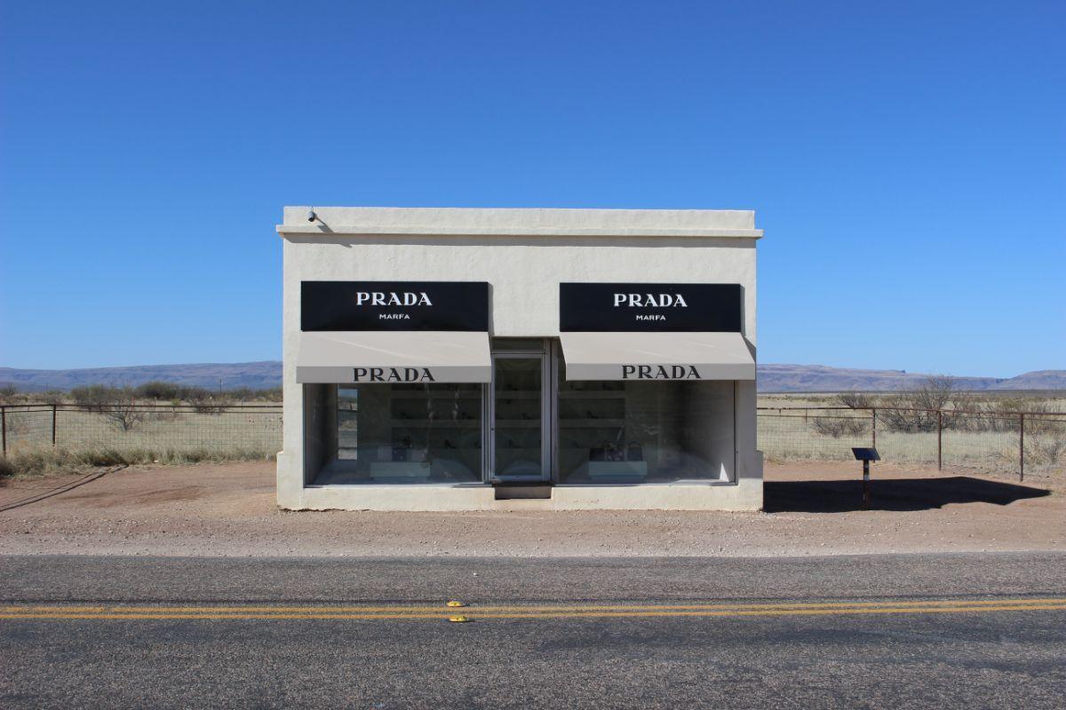 """""""Prada Marfa""""   Jean Trinh Desert X AB s9"""
