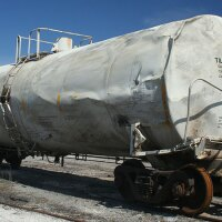 A damaged railroad tank car | Photo: Robert Taylor, some rights reserved