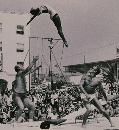 Muscle Beach gymnasts in Santa Monica | Russ Saunders and Paula Unger Boelsems Collection/Santa Monica Public Library Image Archives