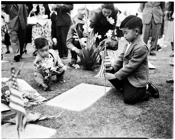 Memorial Day services (Evergreen Cemetery) Nisei rites, 1952 | Courtesy of the USC Digital Library
