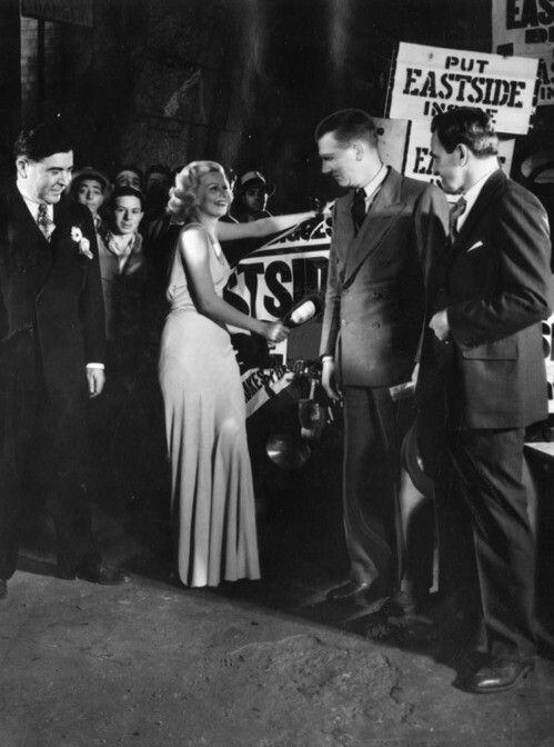 Jean Harlow re-christens the brewery after the end of prohibition, 1933 | Photo: Herald-Examiner Collection, Los Angeles Public Library