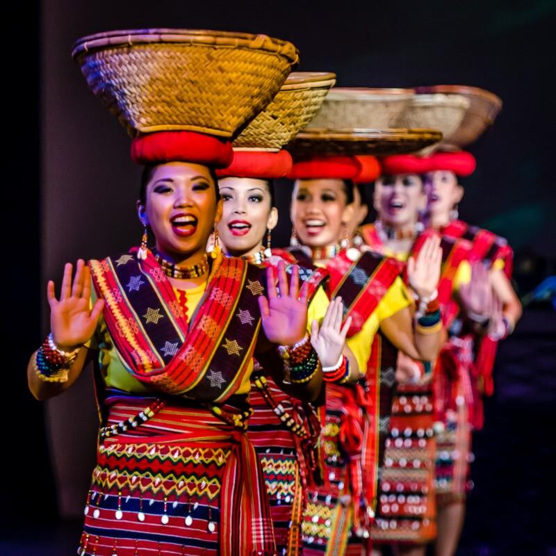 Kayamanan ng Lahi performs Ragrasakan | Jorge Vismara