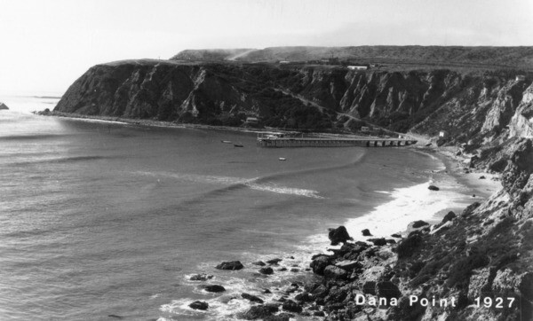 Dana Cove and the Dana Point headlands in 1927. Courtesy of the Orange County Archives.