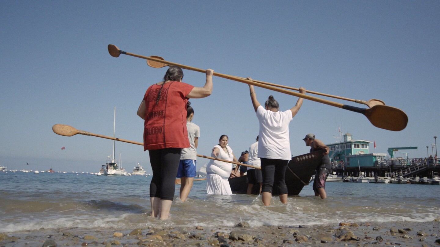 Ti'at Society launches Moomat Ahiko into the water