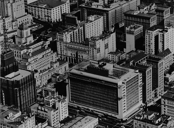 1948 aerial photograph by Spence Air Photos of the General Petroleum Building at Wilshire and Flower. Courtesy of the Los Angeles Examiner Prints Collection, USC Libraries Special Collections