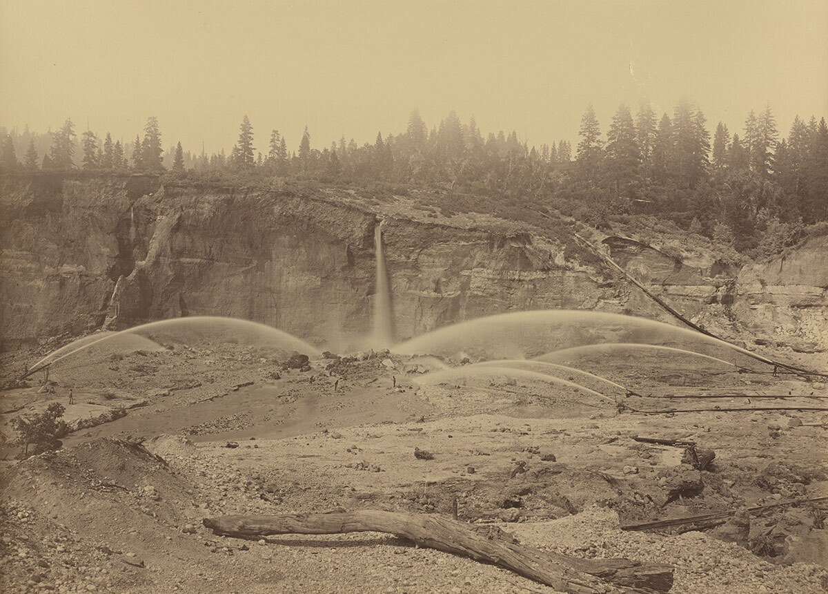 The pit at Malakoff Diggins in 1871, the heyday of hydraulic mining. | Wikimedia Commons/National Gallery of Art Patrons' Permanent Fund/Public Domain