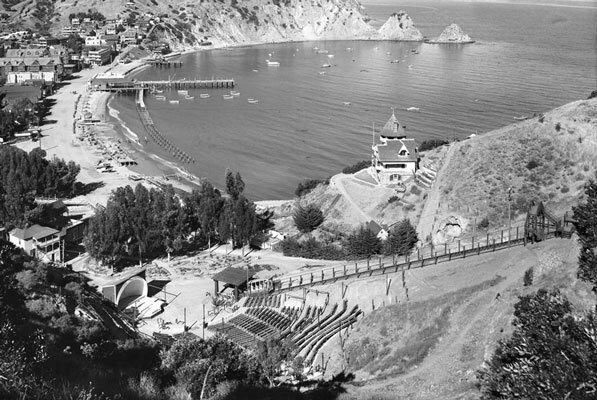 Catalina's incline railway climbs above the Avalon Amphitheater, circa 1914. Courtesy of the Title Insurance and Trust / C.C. Pierce Photography Collection, USC Libraries.