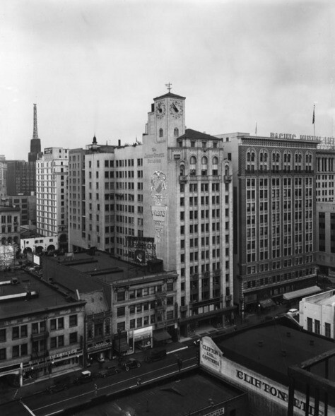 Oviatt Building, with Clifton's Cafeteria in the foreground | Security Pacific National Bank Collection, courtesy of the Los Angeles Public Library