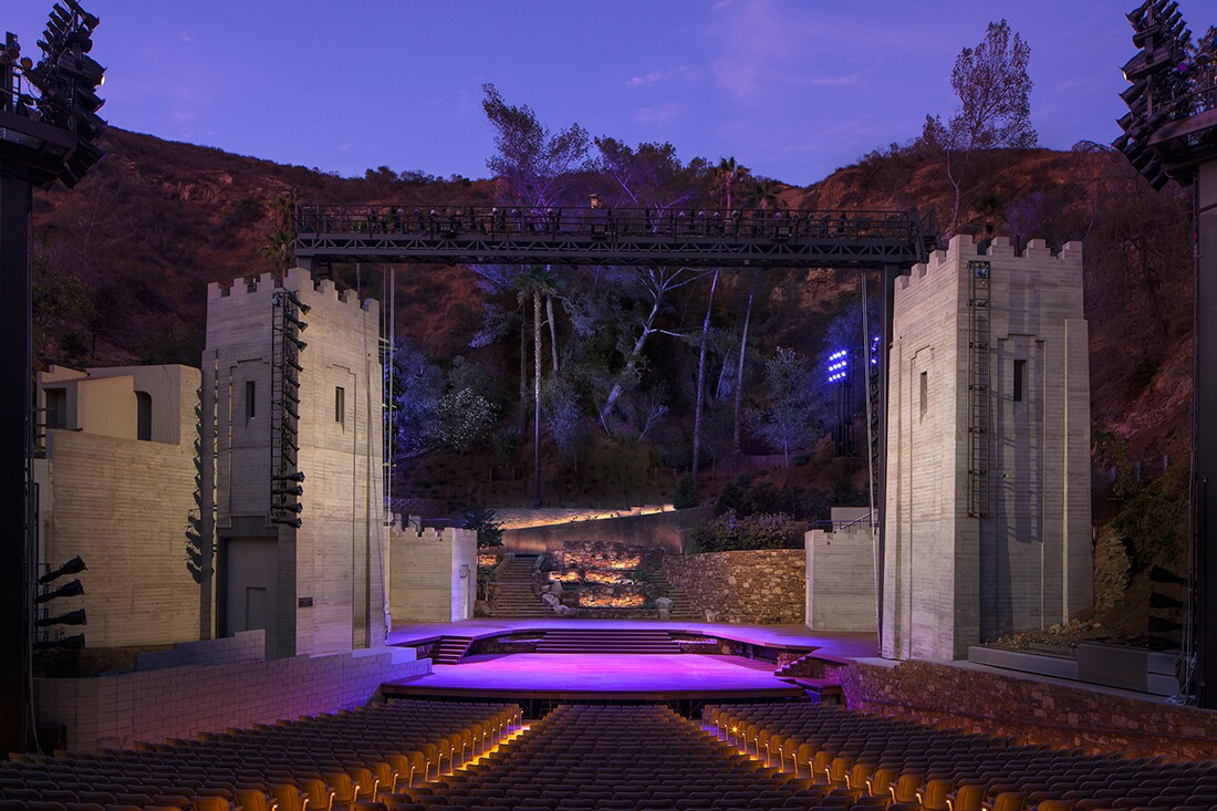 Amphitheatre stage at night. A new lighting and sound transom was added to heighten the technological capabilities of the Amphitheatre and to improve audience and performer experiences. | Tom Bonner