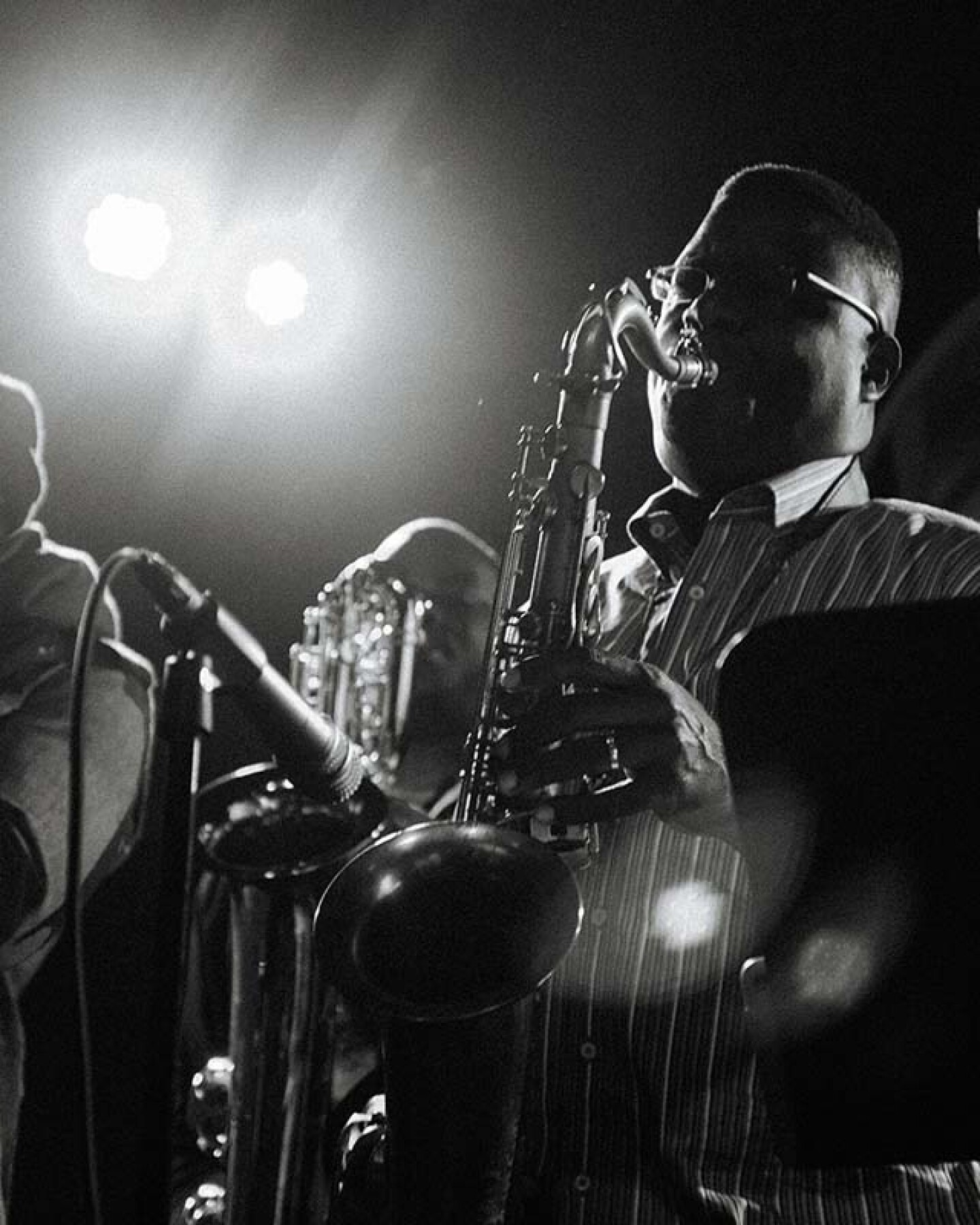 A black and white photo of Pan Afrikan Peoples Arkestra playing | Samantha Lee ab s11