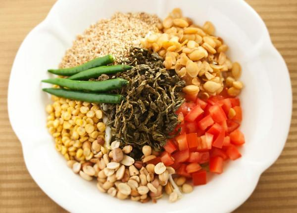 Tea salad from Daw Yee | Photo by Daw Yee Myanmar