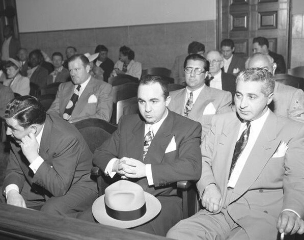 Mickey Cohen (center) at his arraignment in the Los Angeles Superior Court, 1949. Courtesy of the Los Angeles Times Photographic Archive, Department of Special Collections, Charles E. Young Research Library, UCLA. Used under a Creative Commons license.