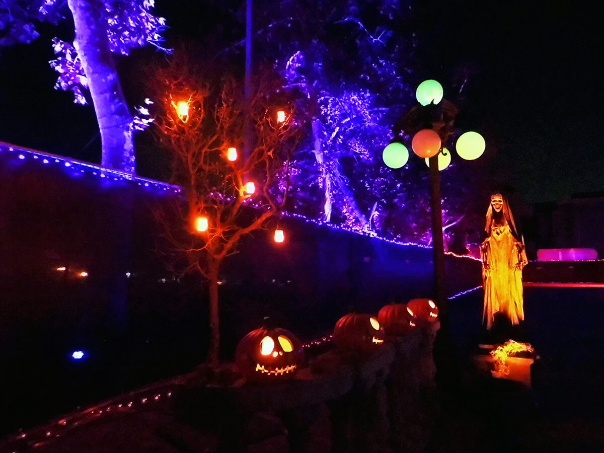 Spooky decor at Hauntoween L.A. | Sandi Hammerlein