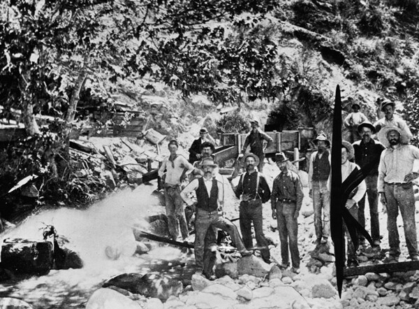 A group of prospectors divert water to improve their claim, ca. 1885 | Image: Courtesy of Los Angeles Public Library