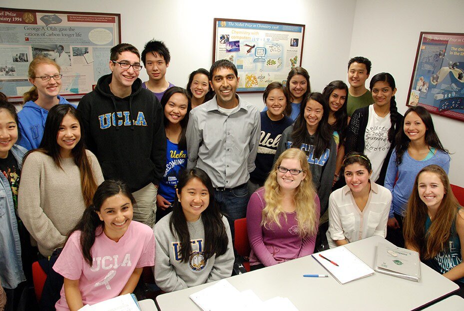 Neil Garg with some of his Chemistry 14D students. | Courtesy of Neil Garg