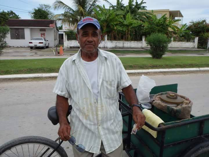 Marthin Ken's cousin in Belize also selling ice cream   Courtesy of Helados Pops