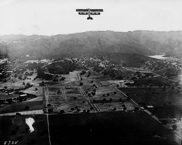 Aerial view of Encino, circa 1920, showing the oak-dotted foothills of the Santa Monica Mountains. Courtesy of the Photo Collection, Los Angeles Public Library.