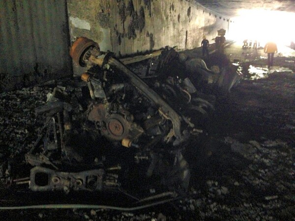 Crash at the I-5/2 freeway interchange that caused the fire | Photo: Courtesy of LAFD