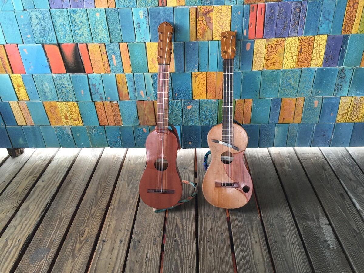 A jarana and a requinto at César Castro's workshop