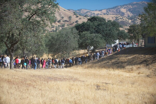 The procession to the dedication evokes the 300 mile UFW march from Delano to Sacramento   Photo by Sam Garcia/The City Project