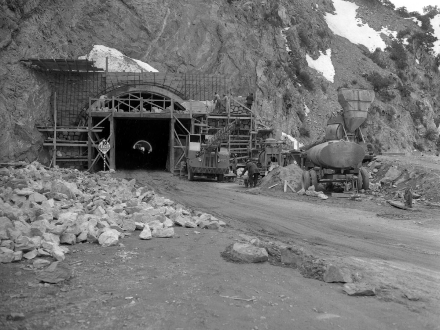 Angeles Crest Highway tunnel under construction