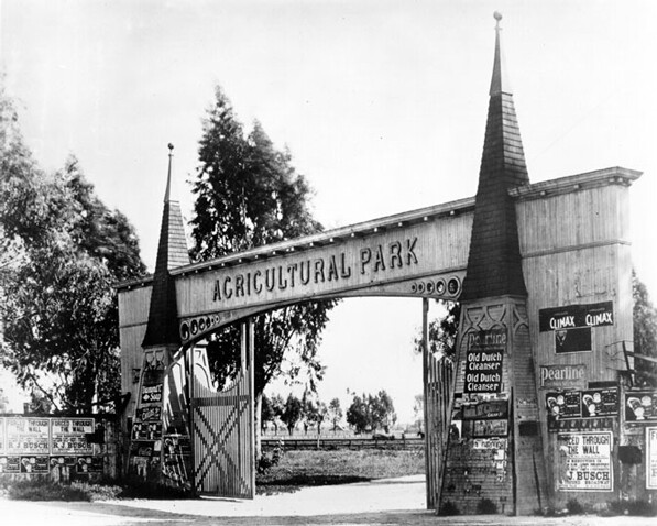 Entrance gate to Agricultural Park (now Exposition Park). Courtesy of the Los Angeles Public Library Photograph Collection.