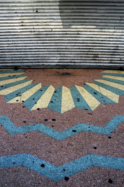 Art Deco sidewalk on Broadway | Photo: David Blumenkrantz/Flickr/Creative Commons