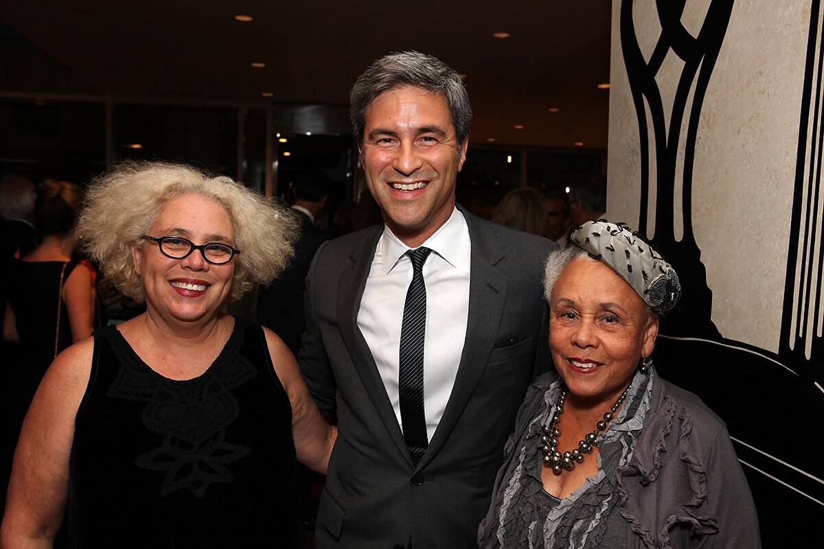 (L-R) Alison Saar, Michael Govan, Director of LACMA and artist Betye Saar pose during the Pacific Standard Time: Art in LA 1945-1980 opening event held at the Getty Center on October 2, 2011 | Ryan Miller/WireImage via Getty Images