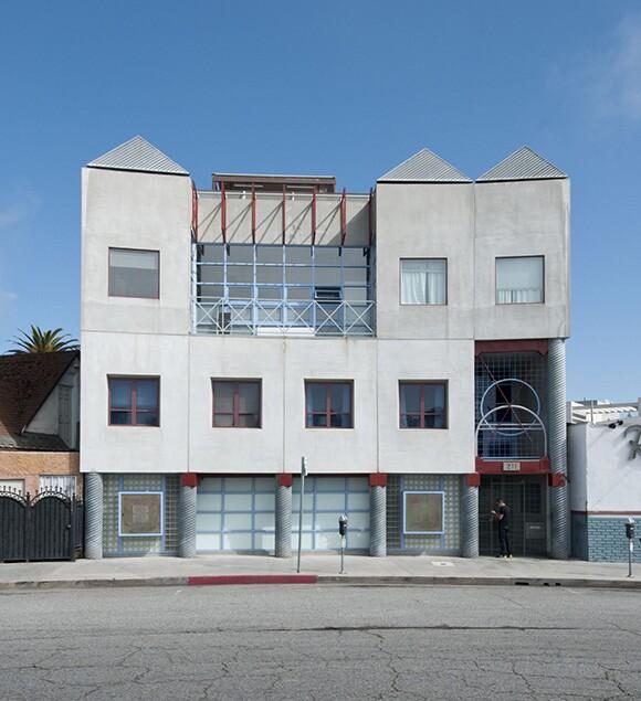 Windward Circle Arts Building | Photo: Larry Underhill.