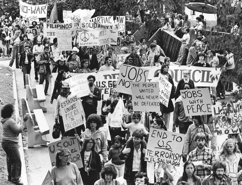 Demonstrators objecting to the Reagan administration's continued aid to El Salvador marched to MacArthur Park in 1981.