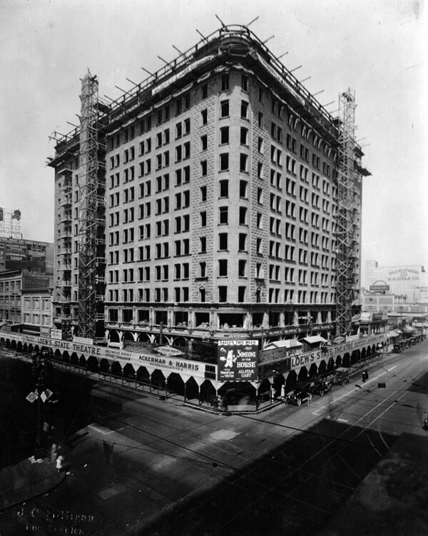 Loew's State Theatre under construction in 1921. Courtesy of the Photo Collection, Los Angeles Public Library.