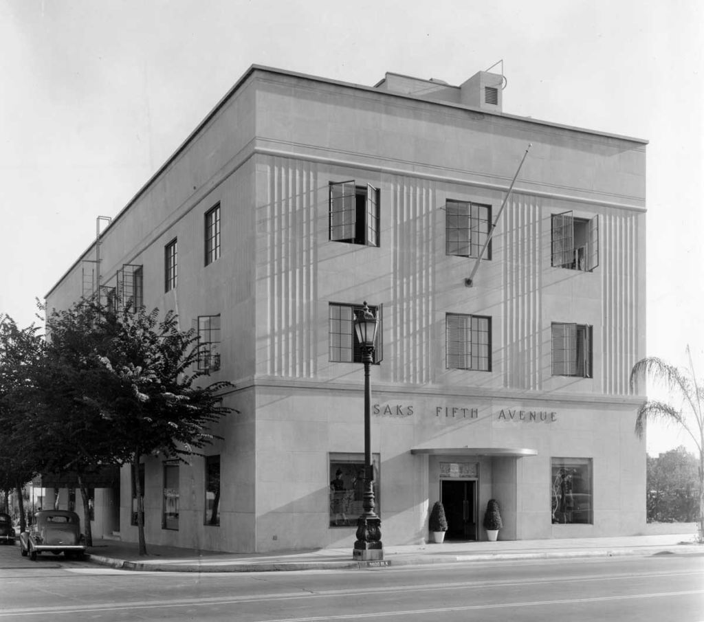 Saks Fifth Avenue on Wilshire Blvd. c. 1938 | Courtesy of California State Library, Mott-Merge Collection