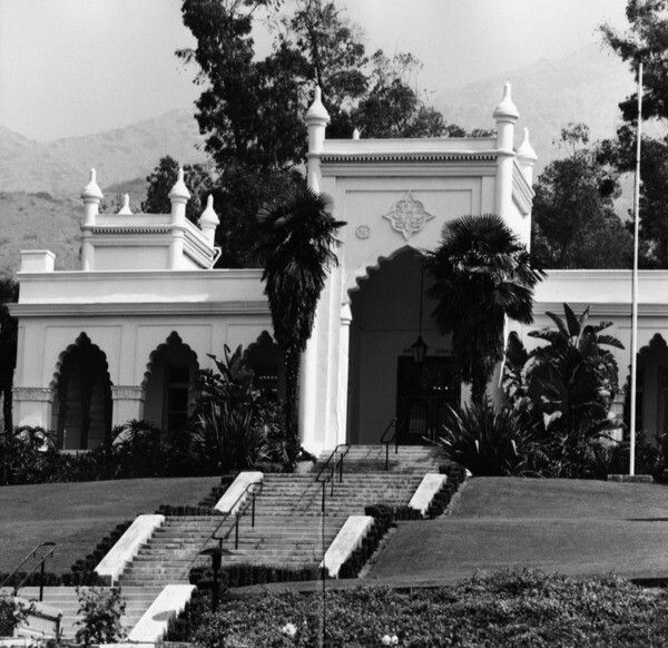 Entrance to El Miradero, ca. 1920 | Security Pacific National Bank Collection, Courtesy of the Los Angeles Times