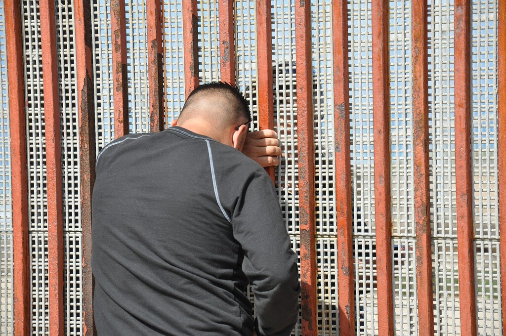border-wall-families-5-2-16.jpg