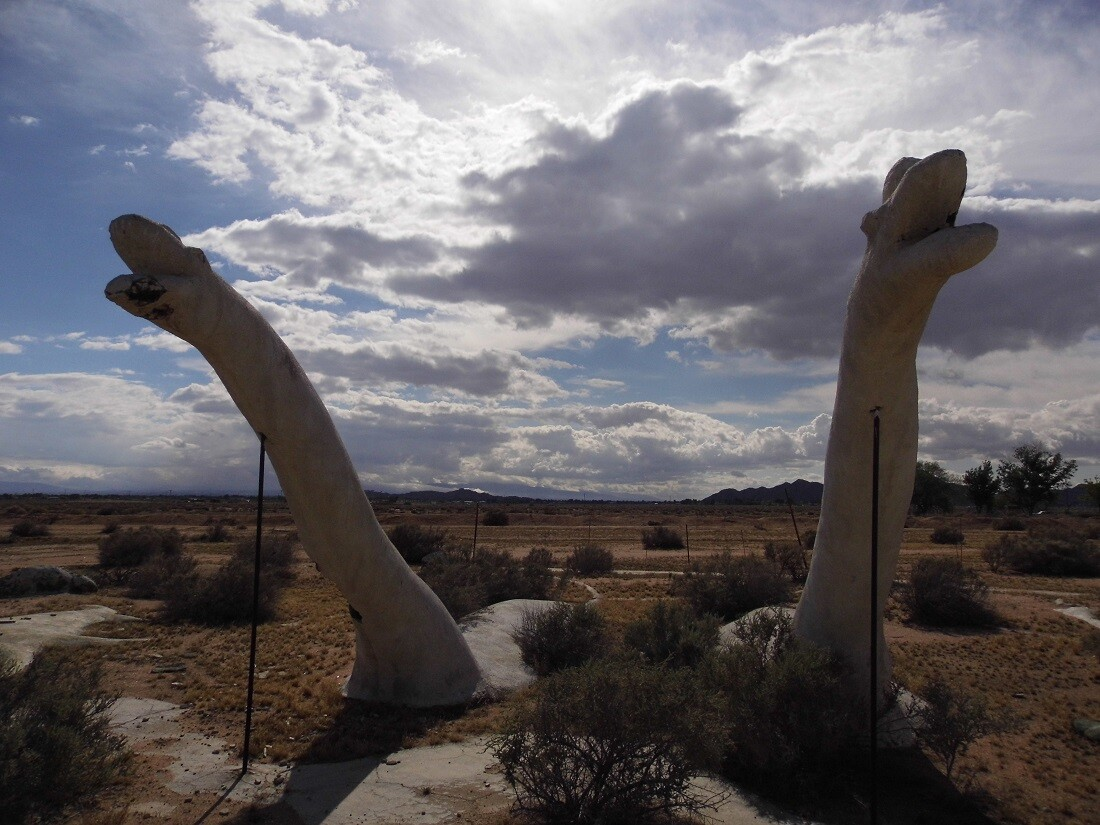 Dinosaur Swampland, Apple Valley (1)