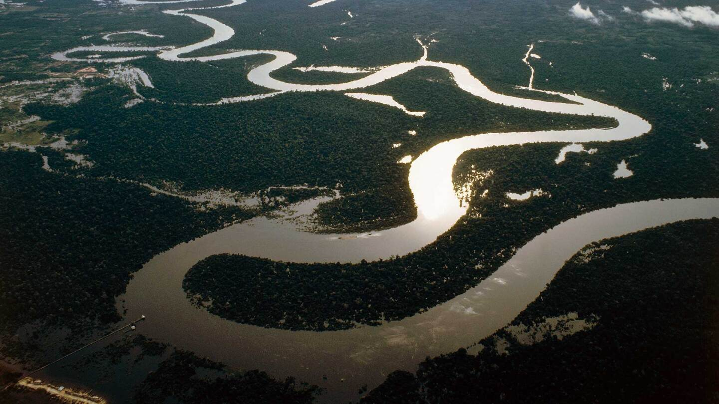 Aerial view of bends in the Amazon River in Peru. | DeAgostini/Getty Images