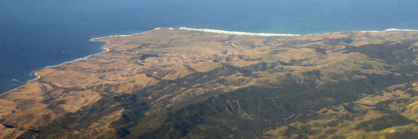 Point Conception, with the Gaviota Coast on the left (south) and Jalama Beach on the right (west).   Doc Searls / CC BY-SA 2.0