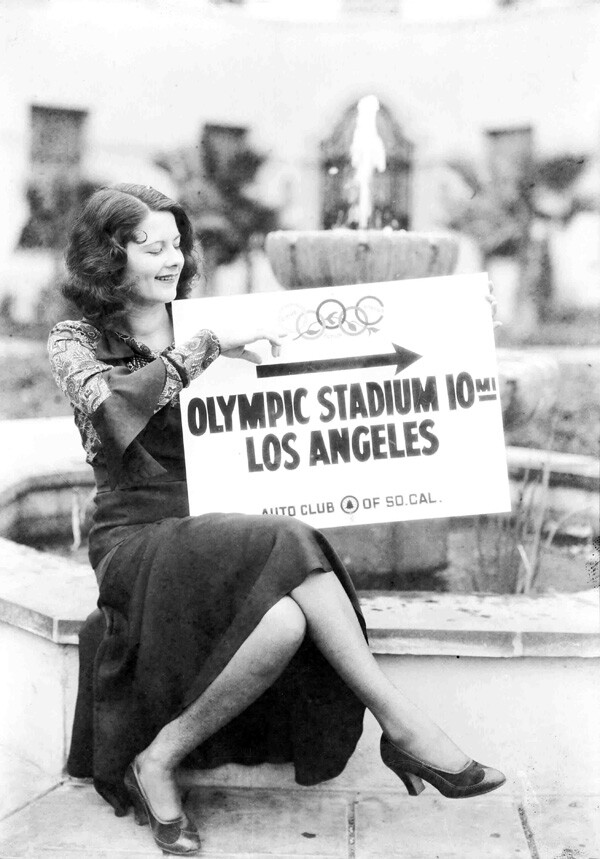 In 1932, the Auto Club posted signs to major Olympic venues as an aid to motorists. Courtesy of the Automobile Club of Southern California Archives.