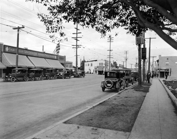 The intersection of Santa Monica and Crescent Heights boulevards, circa 1920. Courtesy of the Los Angeles Public Library Photograph Collection.