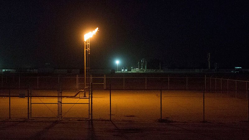 Natural gas flare in Kern County   Photo: facesoffracking, some rights reserved
