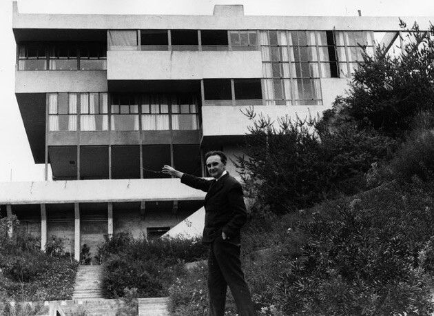 Richard Neutra in front of the Lovell Health House