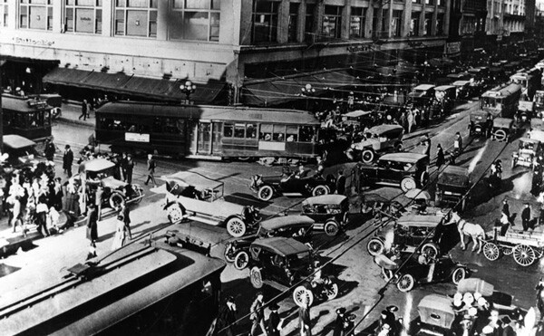 A traffic jam at the downtown L.A. intersection of Seventh and Broadway, circa 1920. Courtesy of the Photo Collection, Los Angeles Public Library.