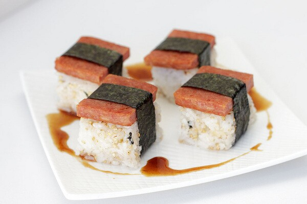 Spam musubi | Photo by Chibiscus