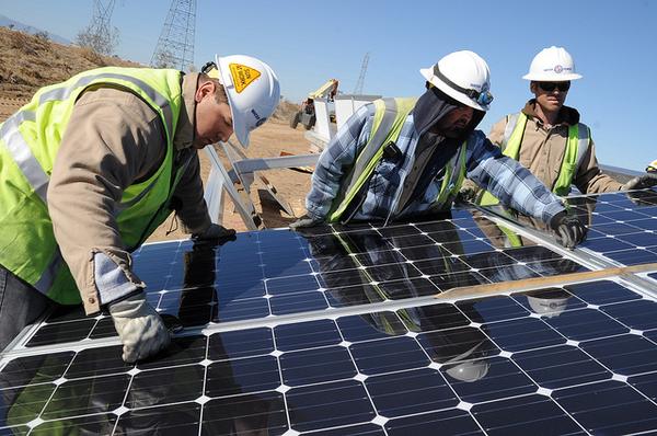 Adelanto-Solar-workers-7-23-12-thumb-600x398-32866