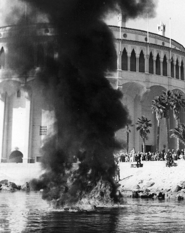 An oil fire in front of the Catalina Casino. Courtesy of the Catalina Island Museum.