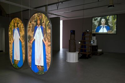Mike Kelley, &quot;Switching Marys&quot; 2004-2005 mixed media with video projections, 190.5 x 261.6 x 810.3 cm, Stedelijk Museum, Amsterdam | Photo: Fredrik Nilsen, courtesy Mike Kelley Foundation for the Arts<br />